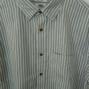 Old Navy Shirts - Old Navy slim fit striped button up shirt